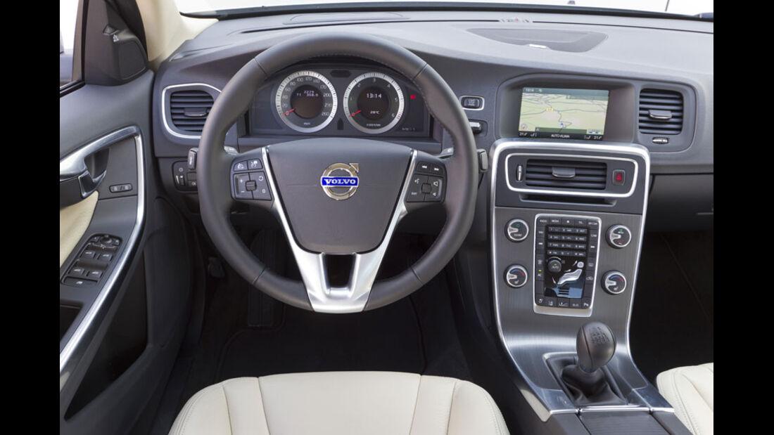 Volvo S60 D3, Cockpit
