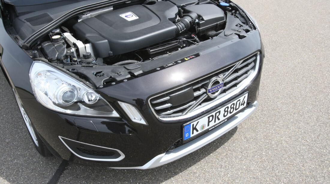 Volvo S60 D5, Motorraum, Front