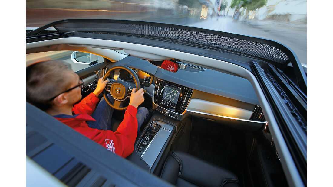 Volvo S90 D5 AWD, Cockpit