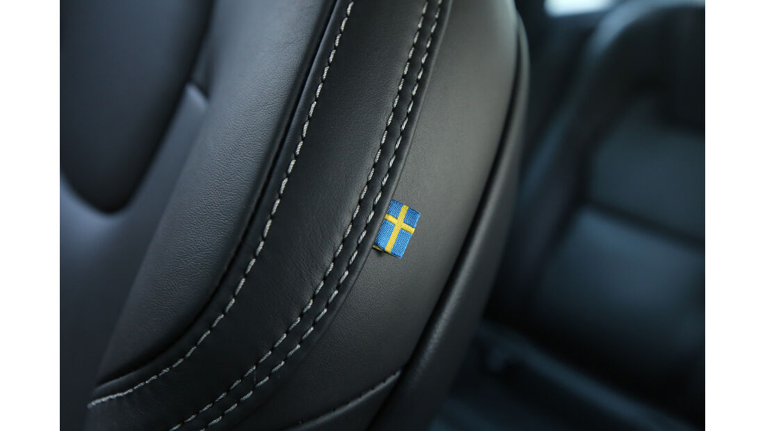 Volvo S90 D5 AWD, Schweden, Fahne