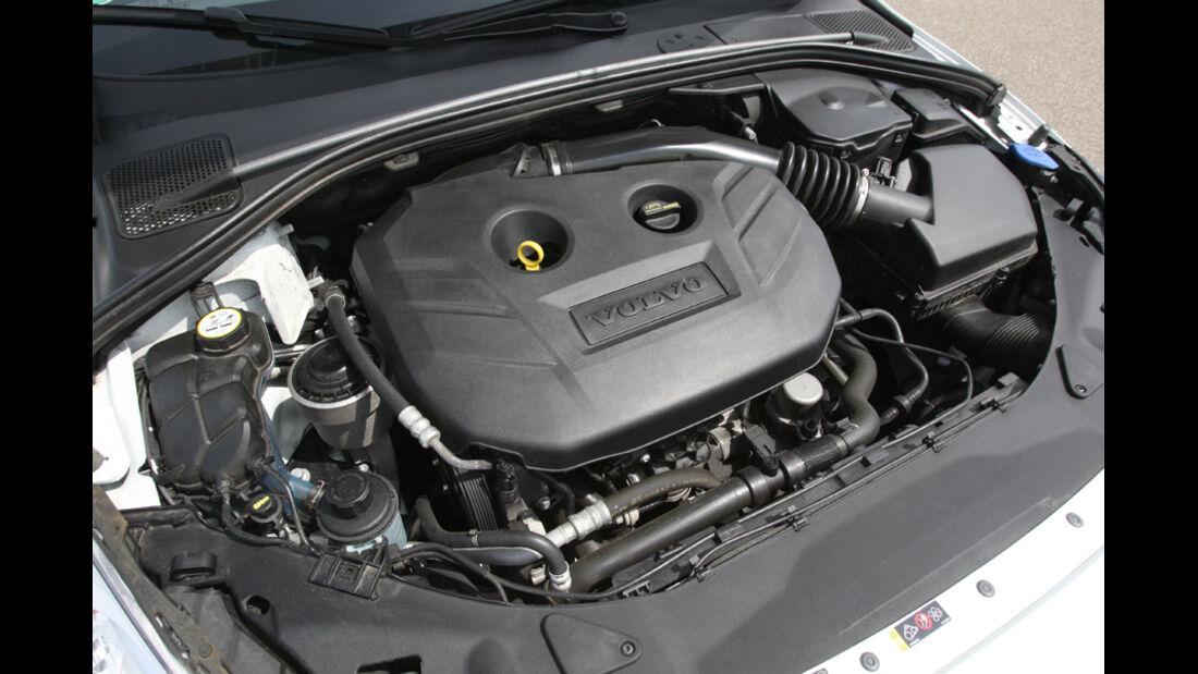 Volvo V 60 T5, Motorraum, Motor