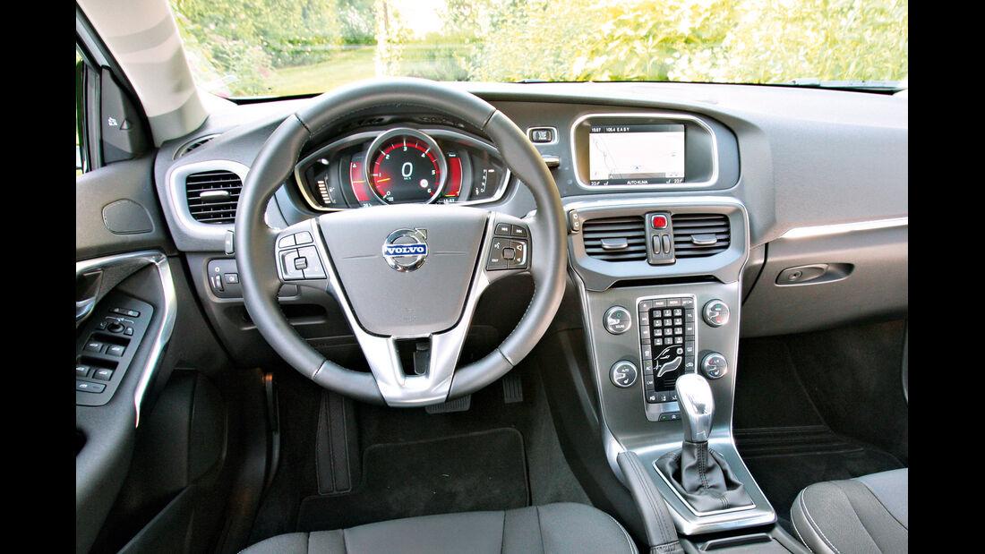 Volvo V40, Cockpit, Lenkrad