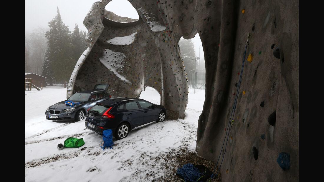 Volvo V40 Cross Country, BMW X1 x-Drive 28i, Klettergarten