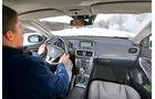 Volvo V40 Cross Country, Cockpit