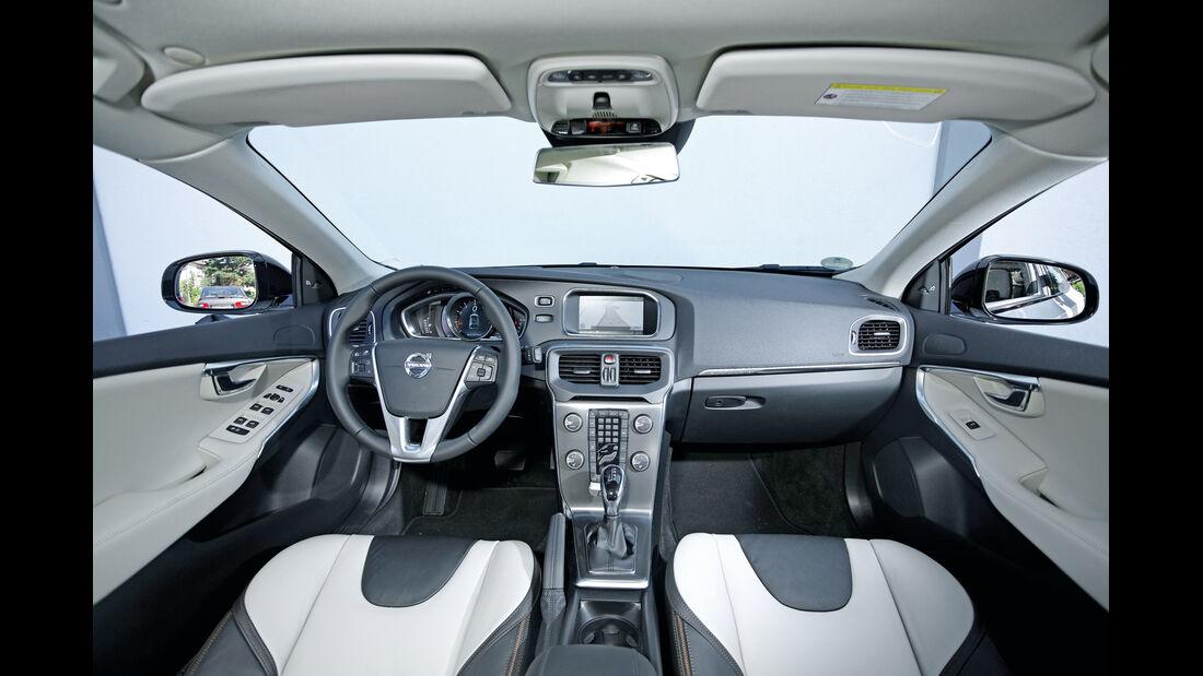 Volvo V40 Cross Country T4 AWD Summum, Cockpit