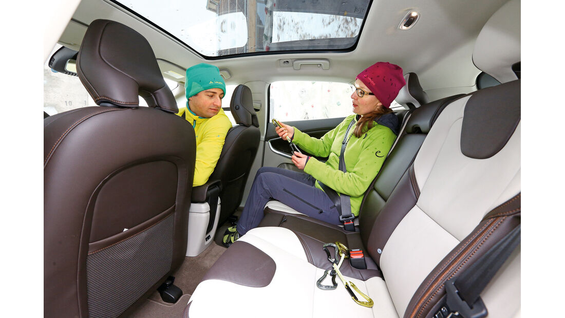 Volvo V40 Cross Country T5 AWD, Rücksitz, Beinfreiheit