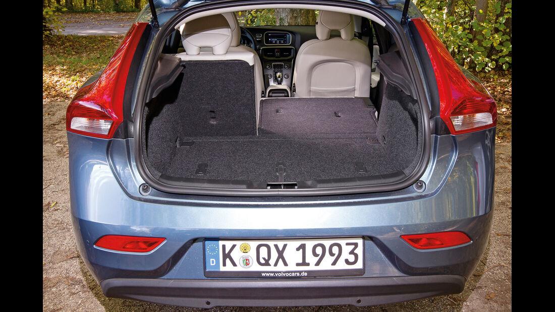 Volvo V40 D2, Kofferraum, Ladefläche