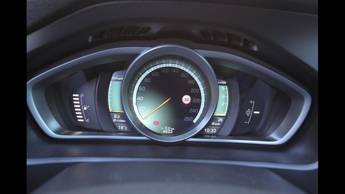 Volvo V40 D3, Tacho, Digital-Instrumente