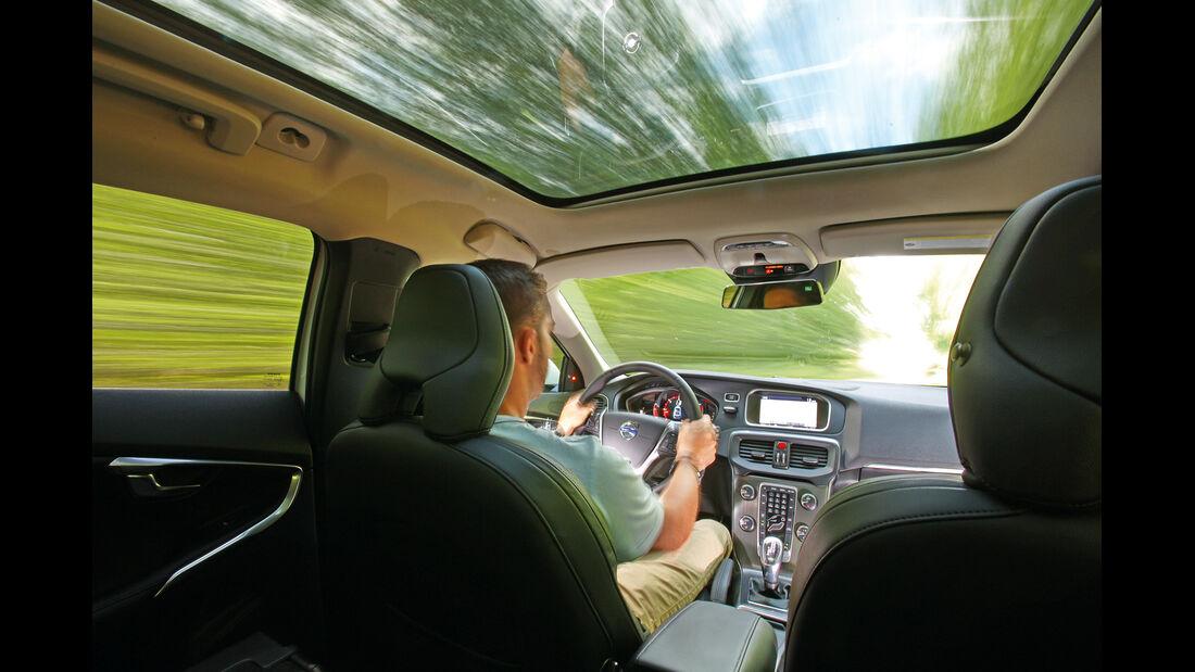 Volvo V40 D4 Summum, Cockpit