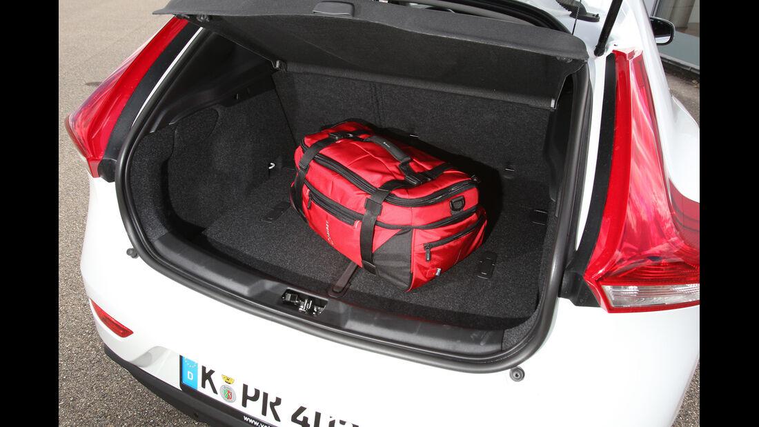 Volvo V40 D4 Summum, Kofferraum
