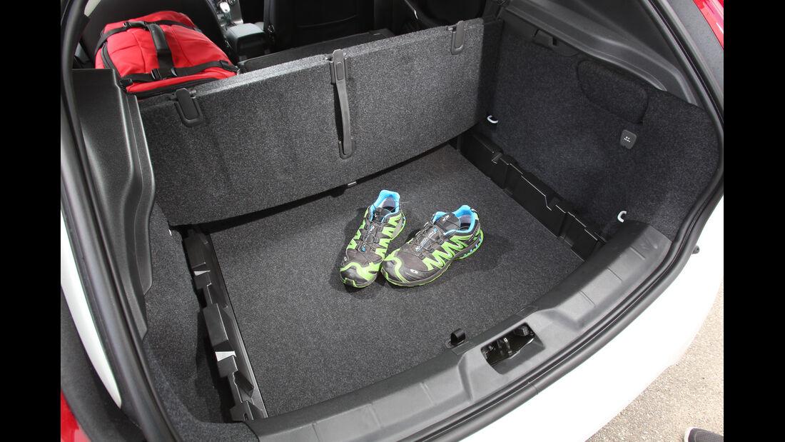Volvo V40 D4 Summum, Ladefläche