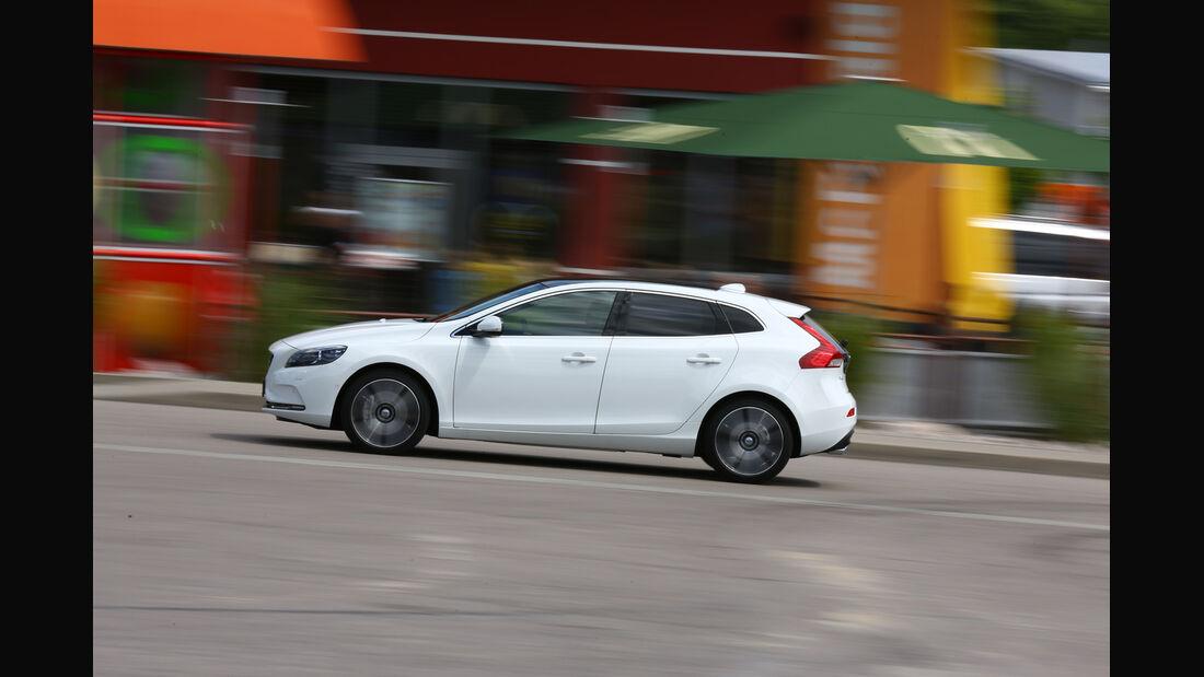 Volvo V40 D4 Summum, Seitenansicht