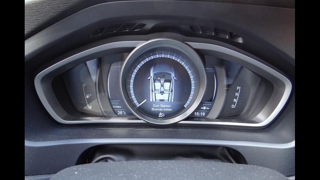 Volvo V40, Instrumente