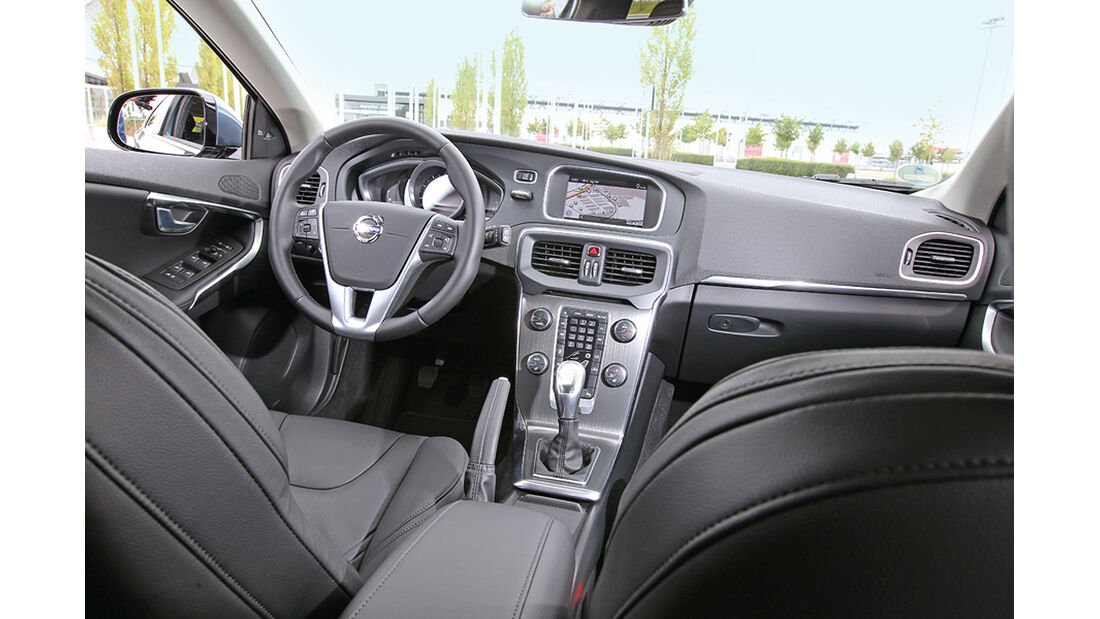 Volvo V40 T4, Cockpit