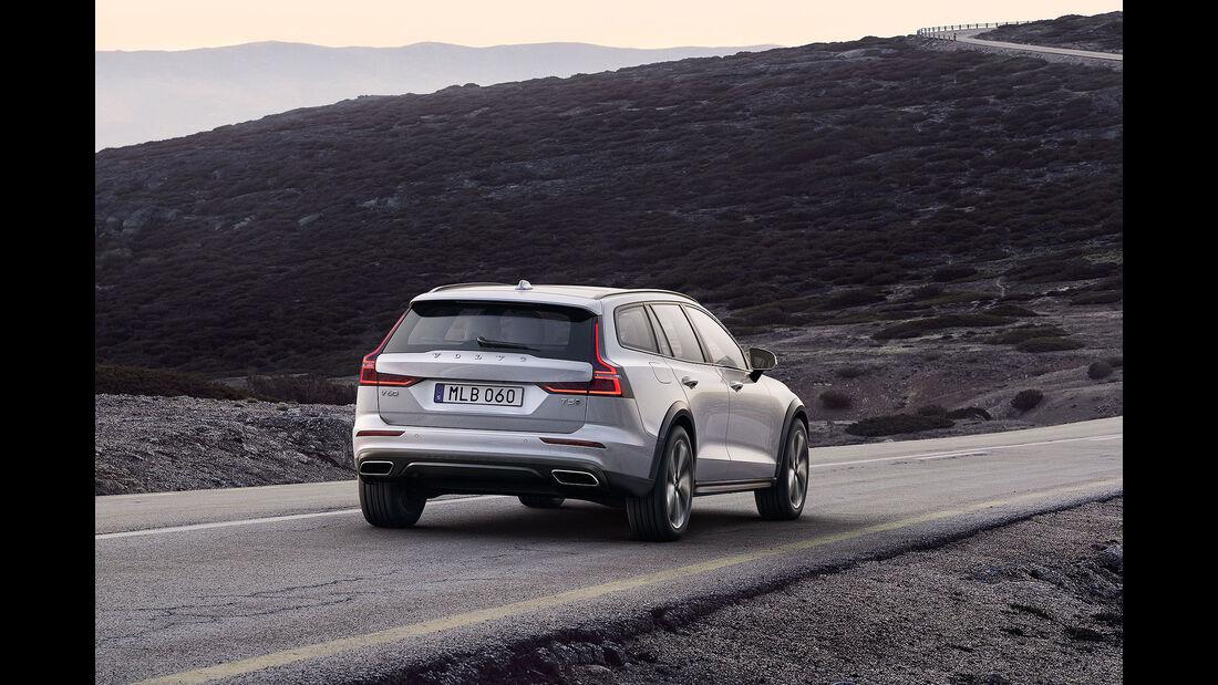 Volvo V60 Cross Country (2018)
