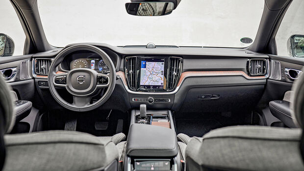 Volvo V60 Cross Country B5 AWD Pro, Interieur