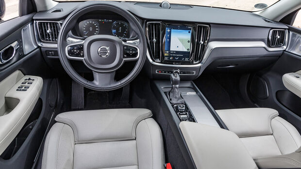 Volvo V60 Cross Country D4 AWD Pro, Interieur
