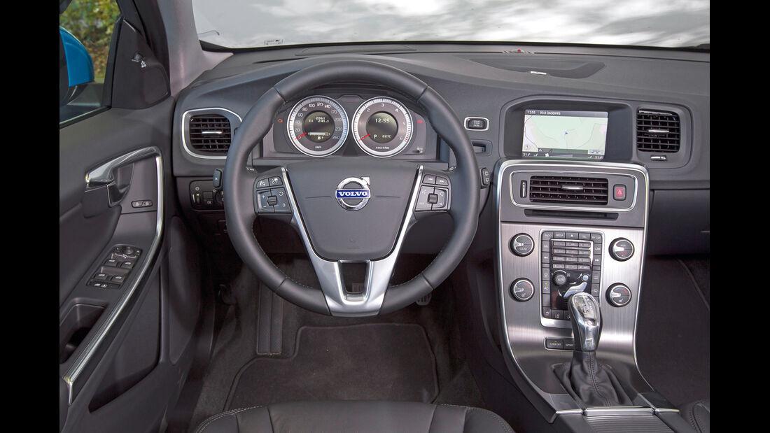 Volvo V60 D2, Cockpit, Lenkrad