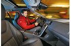 Volvo V60 D6 AWD, Cockpit, Fahrer