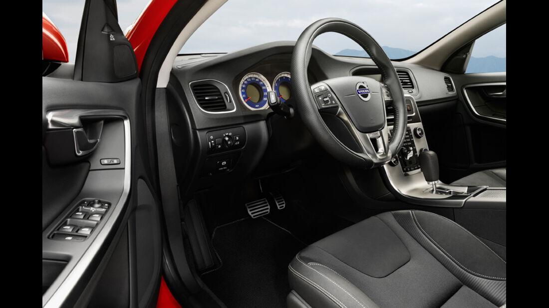 Volvo V60, Detail, Cockpit, Lenkrad, Fahrertür offen