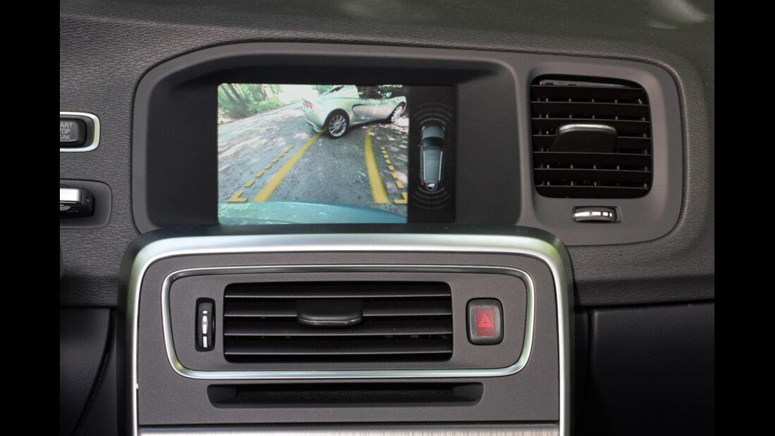 Volvo V60 Drive, Detail, Bildschirm, Parkhilfe
