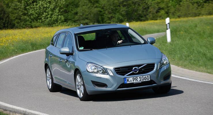 Volvo V60 Drive, Frontansicht, Kurvenfahrt