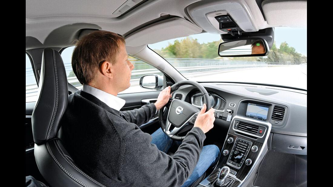 Volvo V60 Plug-in-Hybrid, Cockpit