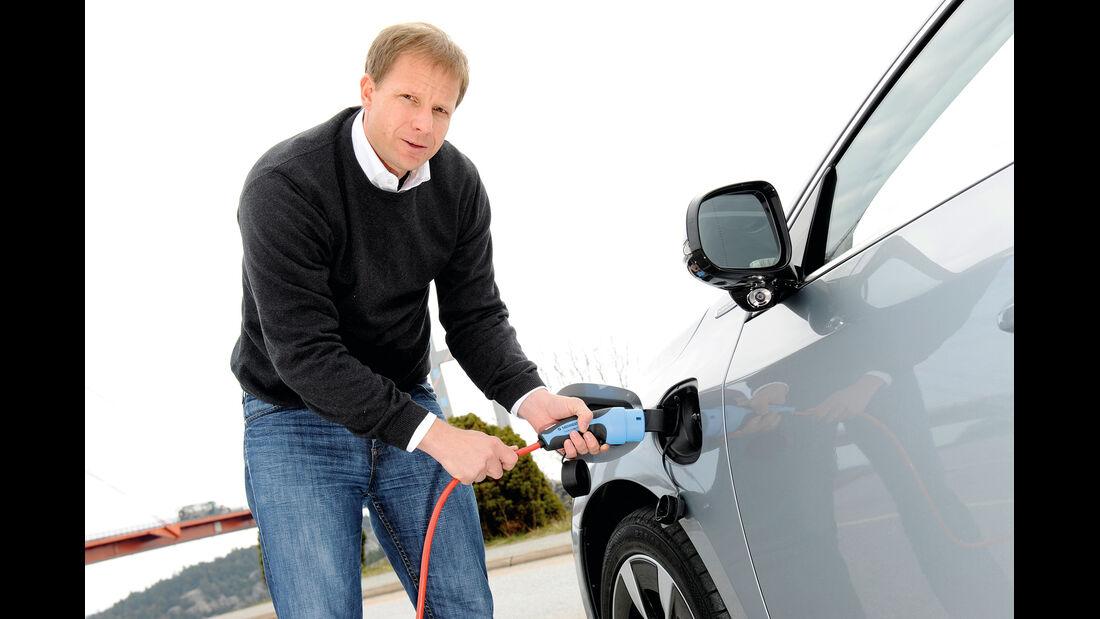 Volvo V60 Plug-in-Hybrid, Stromzufuhr, Tanken