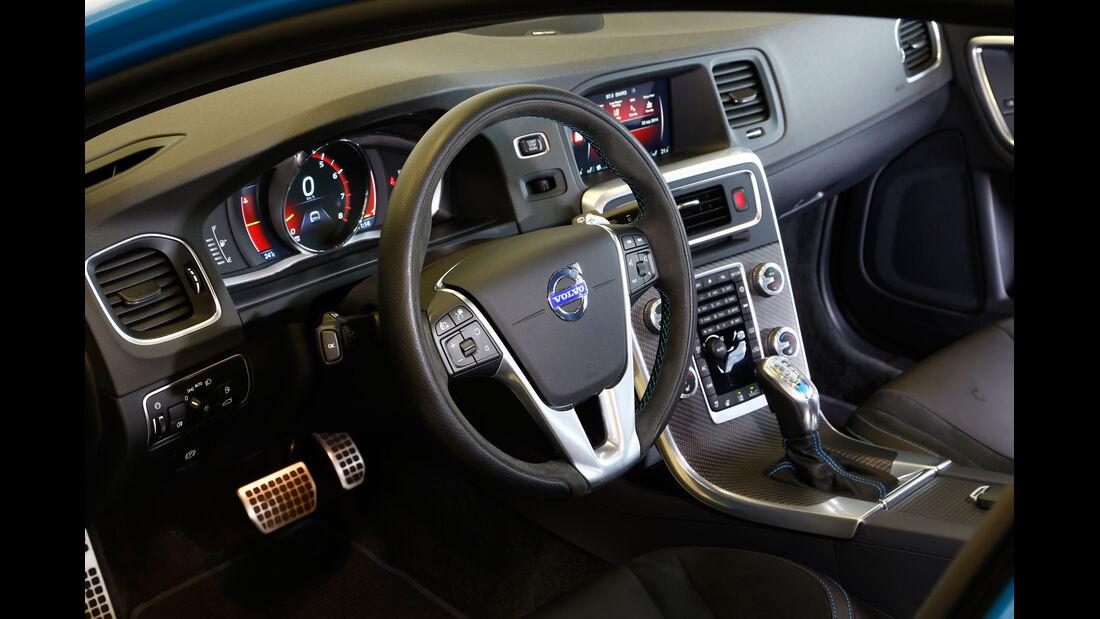 Volvo V60 Polestar, Cockpit
