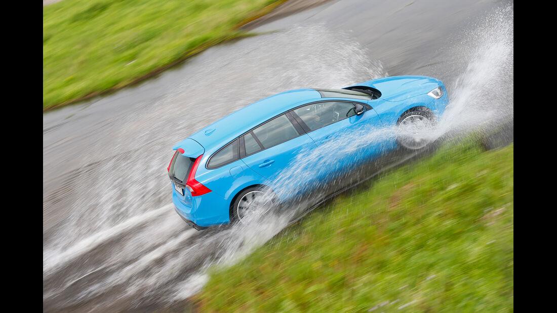 Volvo V60 Polestar, Seitenansicht, Wasserdurchfahrt