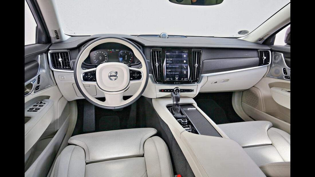 Volvo V90 CC D5 AWD, Cockpit