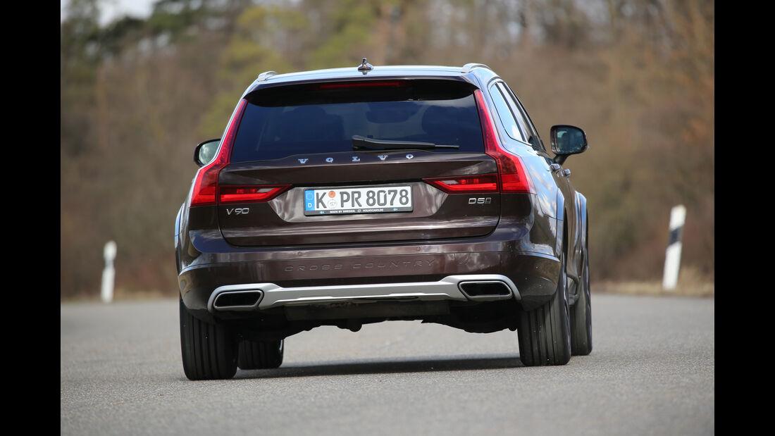 Volvo V90 CC D5 AWD, Heckansicht