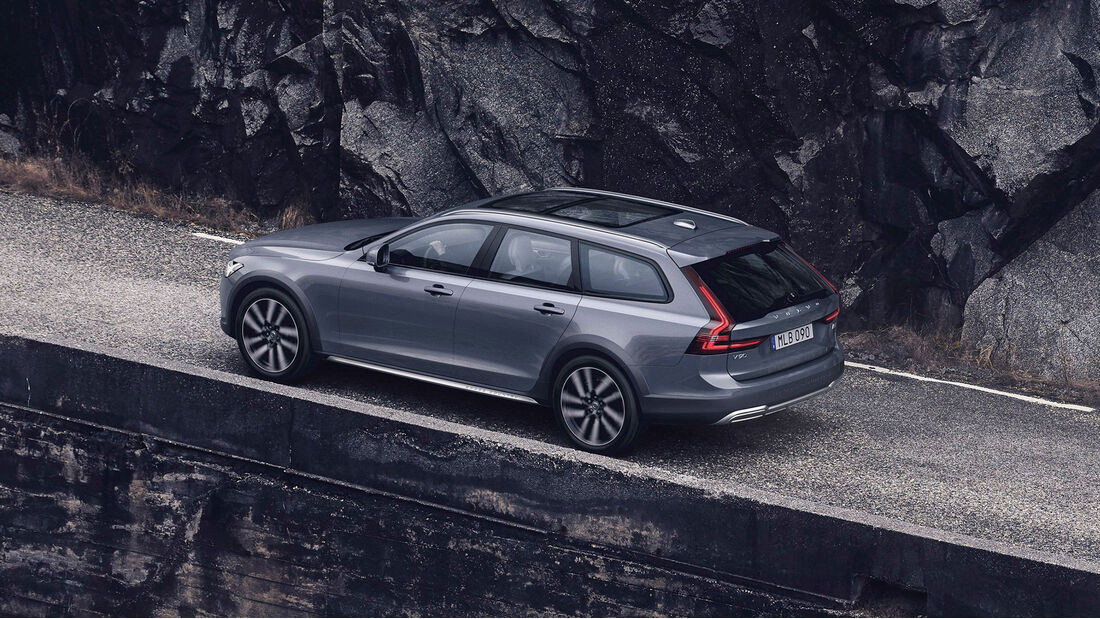 Volvo V90 Cross Country (MY2021)
