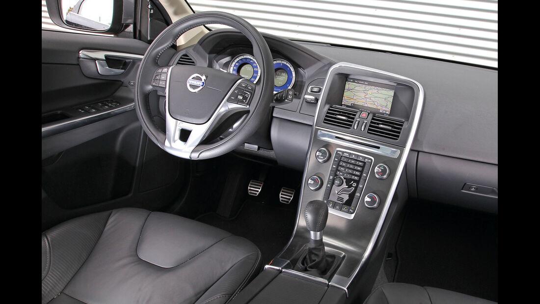 Volvo XC 60 D3 R Design, Cockpit, Lenkrad