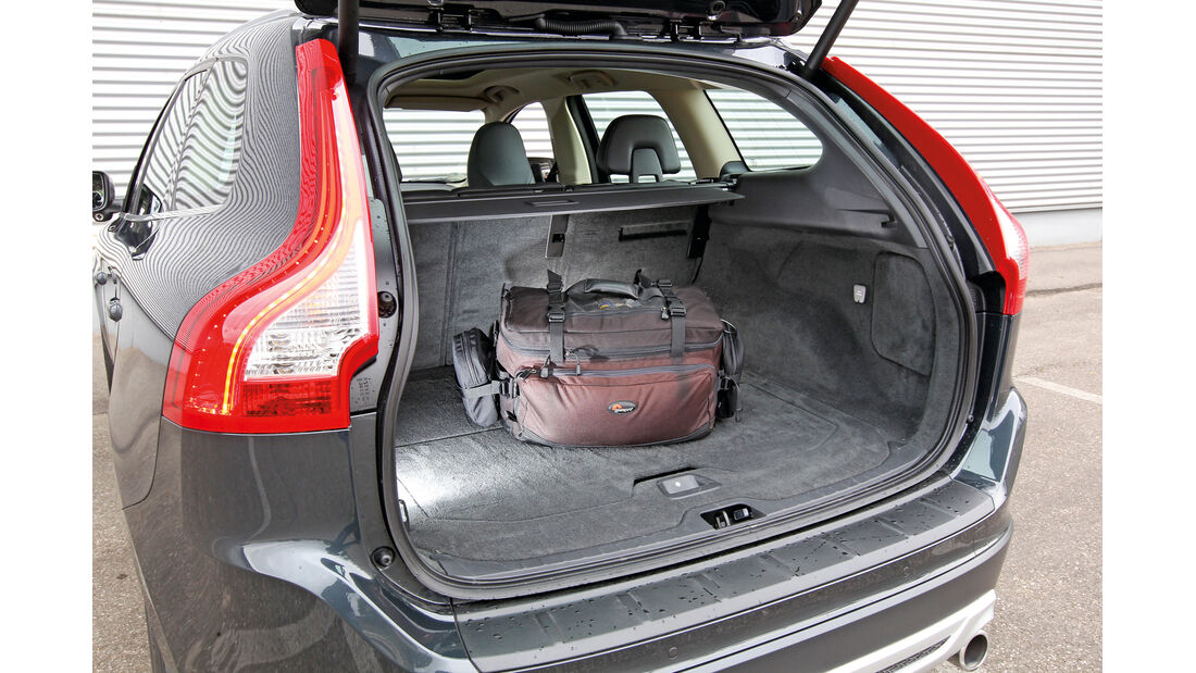 Volvo XC 60 D3 R Design, Kofferraum, Ladefläche