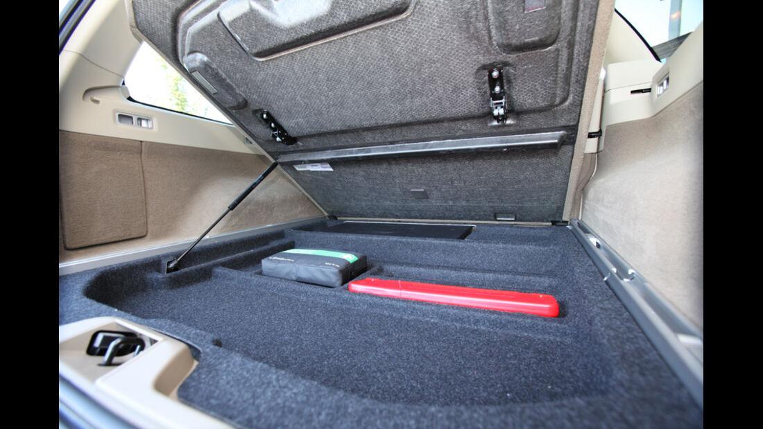 Volvo XC 70 D3 AWD Summum, Ablagefach, Kofferraum