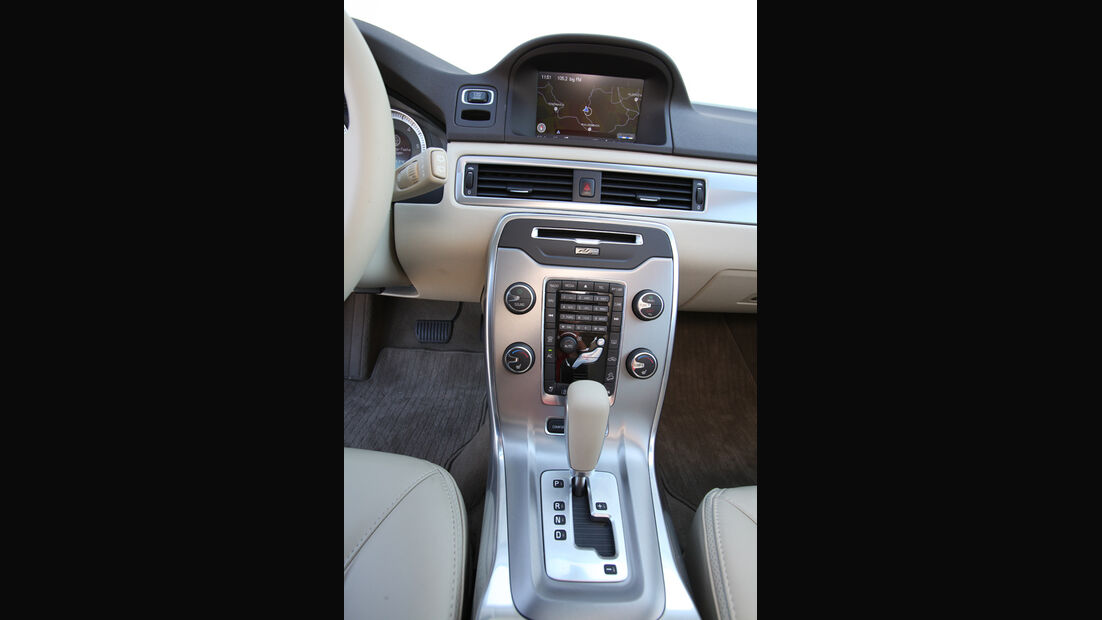 Volvo XC 70 D3 AWD Summum, Mittelkonsole, Schalthebel