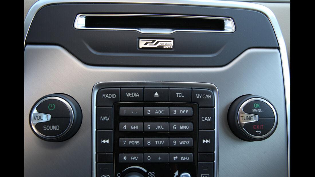 Volvo XC 70 D3 AWD Summum, Radio