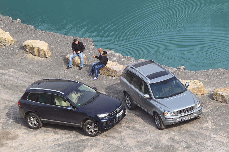 Volvo XC 90 D5 AWD Summum, VW Touareg V6 TDI Blue Motion, Draufsicht