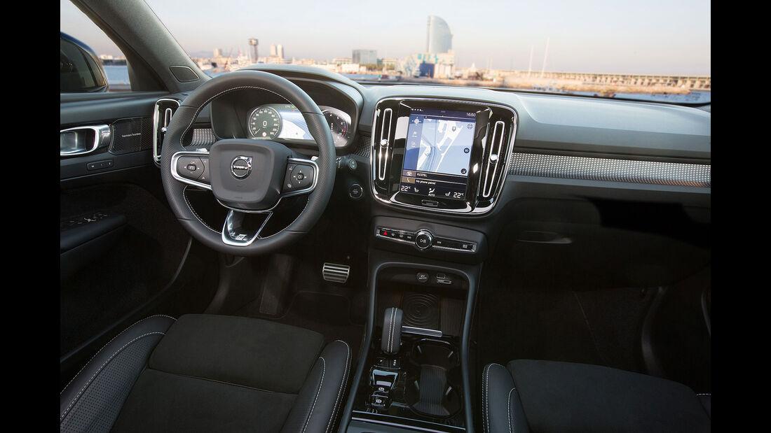 Volvo XC40 (2018) Interior