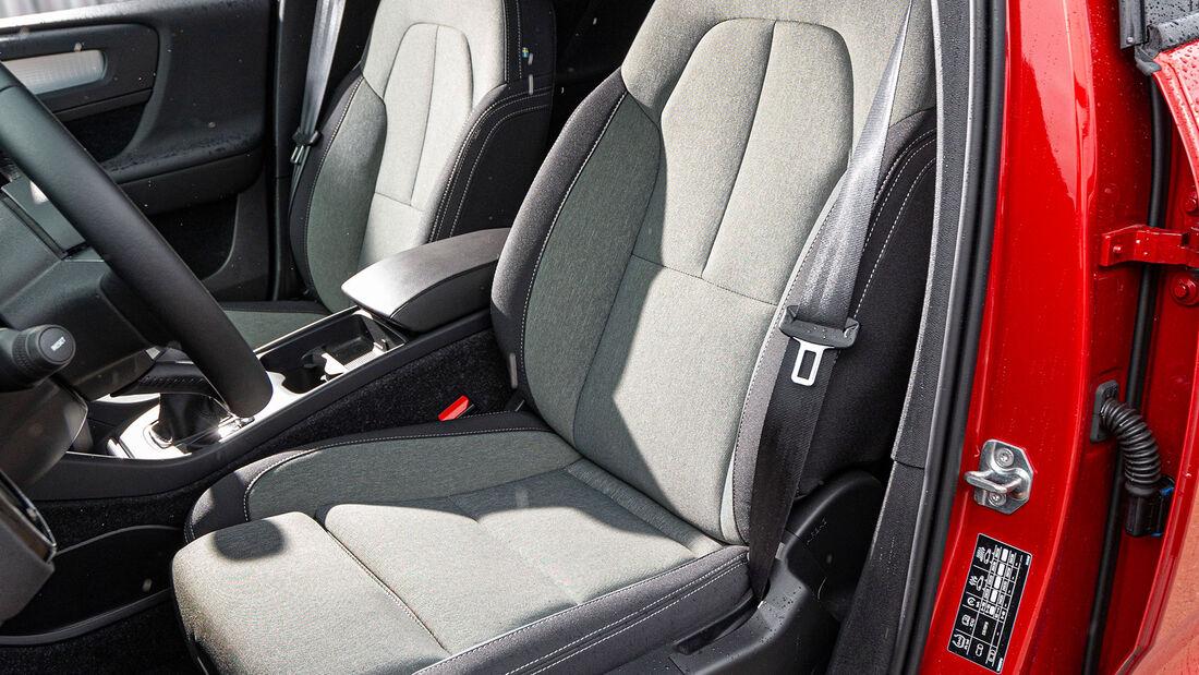 Volvo XC40 T2