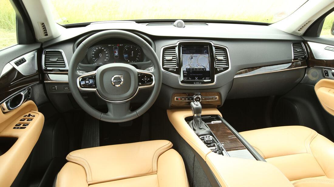 Volvo XC90 D5, Cockpit