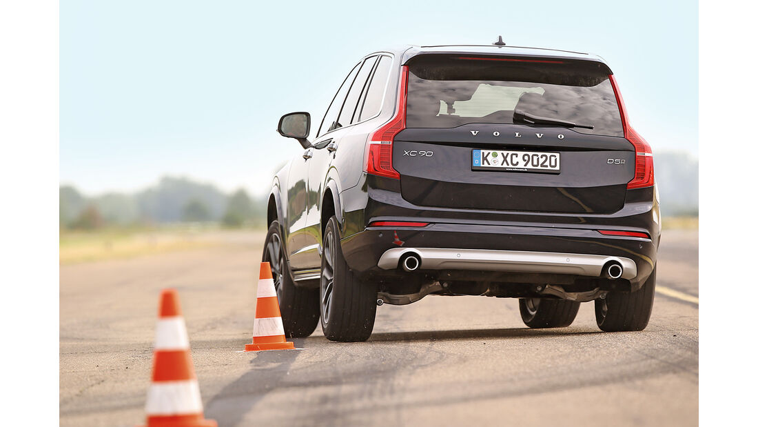 Volvo XC90 D5, Heckansicht, Slalom