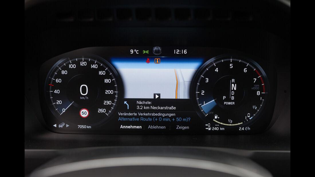 Volvo XC90 T8, Navi