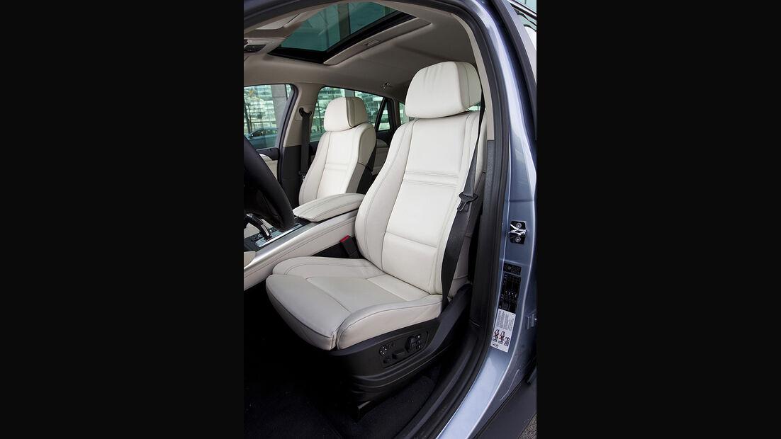 Vordersitze im BMW Active Hybrid X6