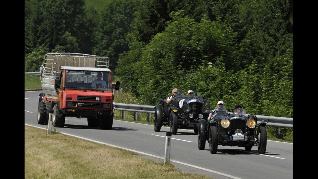 Vorkriegsautos bei der Silvretta Classic 2010