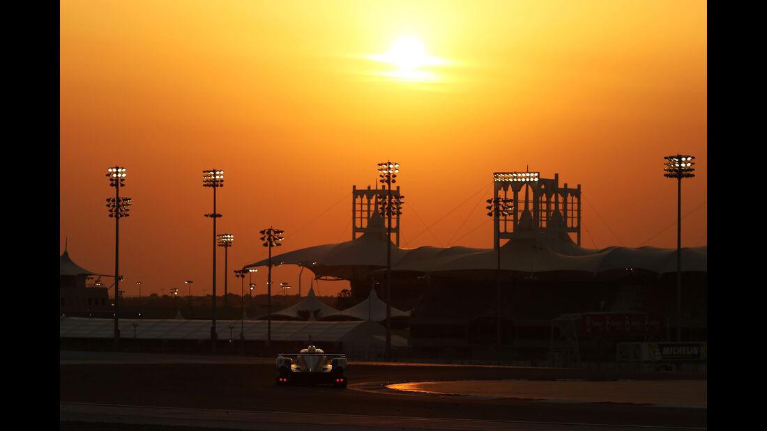 WEC Bahrain 2015 - Toyota - Davidson - Buemi - Nakajima