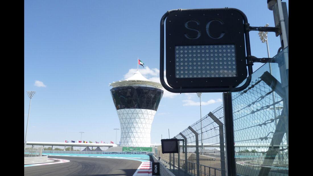 Warntafel - GP Abu Dhabi - 10. November 2011