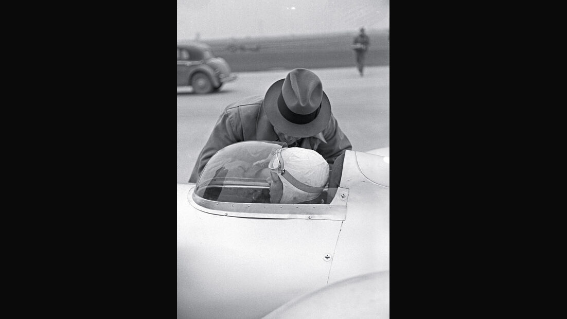 Weltrekordfahrt 1939, Rudolf Caracciola, Cockpit