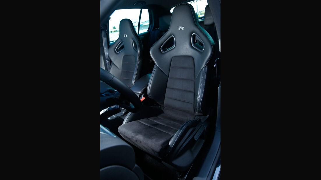 Wetterauer-VW Golf R, Fahrersitz